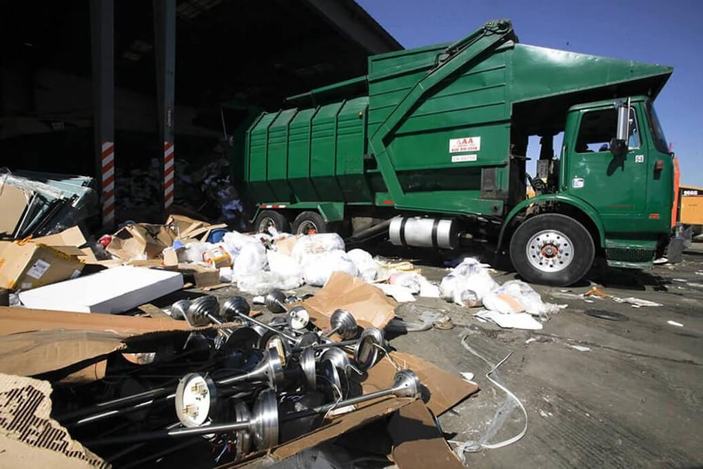 Trash Hauling-McAllen Dumpster Rental & Junk Removal Services-We Offer Residential and Commercial Dumpster Removal Services, Portable Toilet Services, Dumpster Rentals, Bulk Trash, Demolition Removal, Junk Hauling, Rubbish Removal, Waste Containers, Debris Removal, 20 & 30 Yard Container Rentals, and much more!